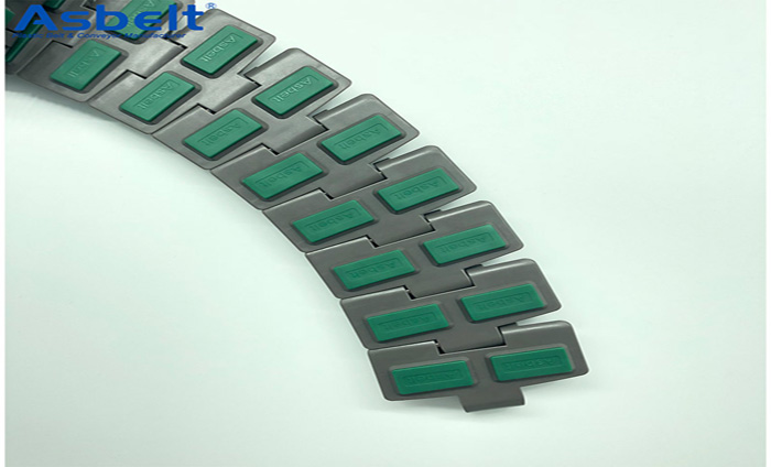 What's The Operational Advantages Of Plastic Flat Top Belt?
